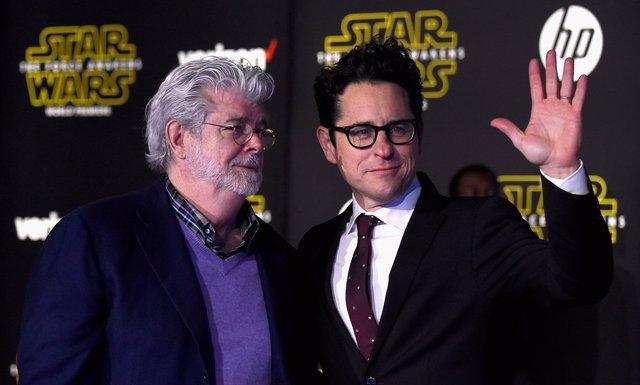 George Lucas y J.J. Abrams en el estreno de Star Wars: El despertar de la Fuerza