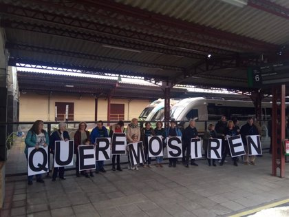 """Viaje reivindicativo en el tren A Coruña-As Mariñas para reclamar un servicio """"eficiente y eficaz"""""""