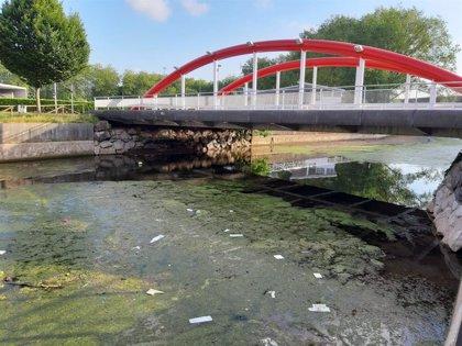 La Alcaldesa subraya la importancia de eliminar los focos de contaminación del río Piles para proteger la playa