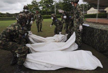 """Comienza la exhumación de 50 víctimas de """"falsos positivos"""" en Colombia"""