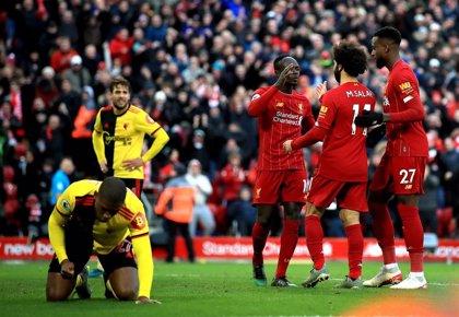 El Liverpool celebra sus renovaciones con otro triunfo y más ventaja