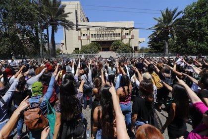 """El 78 por ciento de los chilenos cree que los Derechos Humanos se violan """"sistemáticamente"""" en el país"""