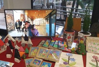 """Regalos de navidad con """"valor añadido"""": personas con diversidad funcional elaboran artesanías a la venta en el IVASS"""