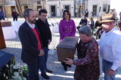 """Ontinyent inaugura el memorial a las víctimas del franquismo que """"reconoce a quienes lucharon por derechos y libertades"""""""