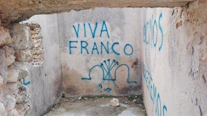 El Blocao de Mirabueno del Cerro Socorro vuelve a amanecer con pintadas franquistas