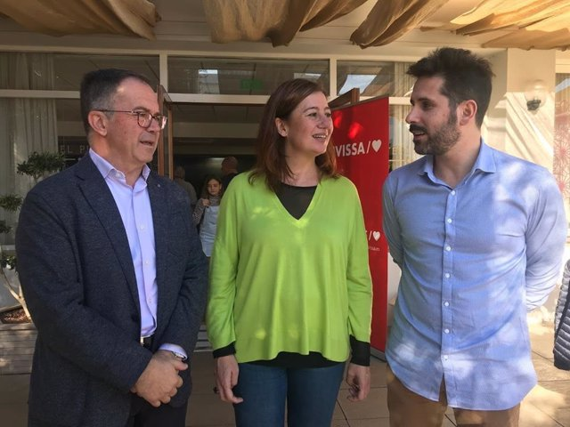 La secretaria general del PSIB-PSOE y presidenta del Govern, Francina Armengol, en la comida solidaria de Navidad de la FSE-PSOE
