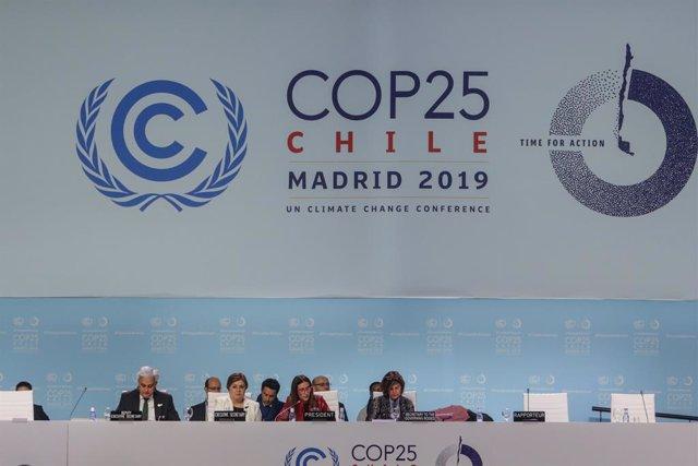 Nova jornada en la Cimera del Clima presidida per la presidenta de la Cimera del Clima, la xilena Carolina Schmidt, Madrid , 15 de desembre del 2019