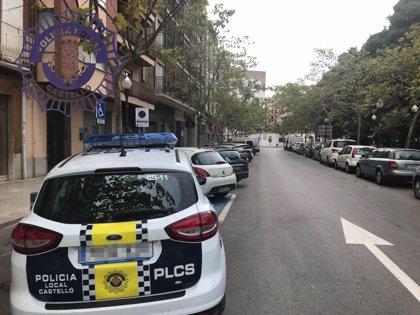 Detenido un hombre por intentar agredir y amenazar con una botella rota a vecinos y agentes de Policía en Castelló
