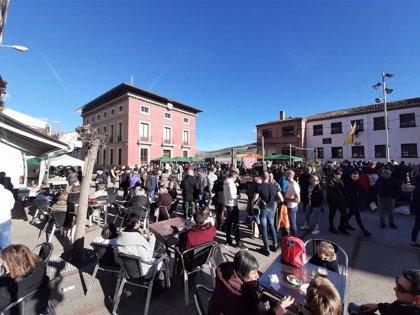 Multitud de personas participan en la Jornada de la Pasa de Ciruela Claudia Reina de Nalda