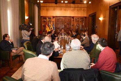 """El Ayuntamiento de Zaragoza pide """"prudencia"""" a los ciudadanos ante la crecida del Ebro"""