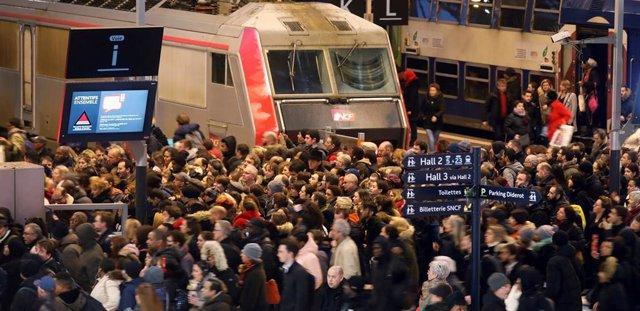 Huelga indefinida de transportes en Francia