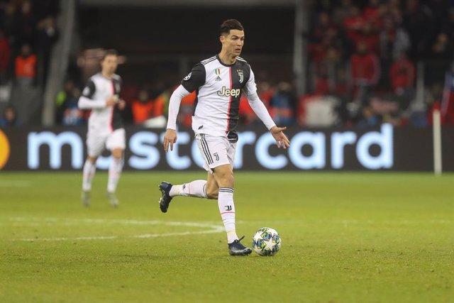 Fútbol/Calcio.- (Crónica) La Juventus vuelve al liderato en una mala semana para