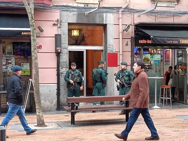 La Guardia Civil desarrolla una operación contra la prostitución y la trata de personas en Barakalddo