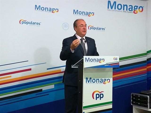 Monago en rueda de prensa para hablar sobre la investidura de Pedro Sánchez