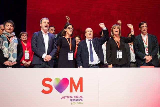 El primer secretari del PSC, Miquel Iceta (3d), la portaveu del PSC al Parlament, Eva Granados (4d), i altres membres de la Comissió Executiva en la presentació de les candidatures per als òrgans del PSC, Barcelona, 15 de desembre del 2019