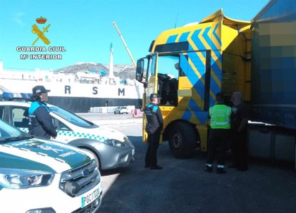 Guardia Civil detiene a un camionero por multiplicar 7 veces la tasa de alcohol en el recinto aeroportuario