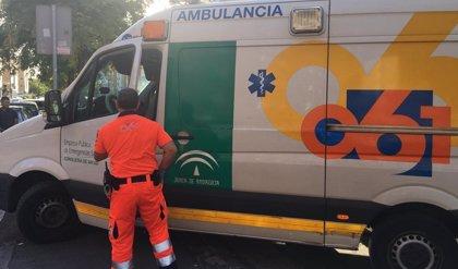 Tres heridos en una colisión frontal entre dos turismos en la A-493 en Villarrasa (Huelva)