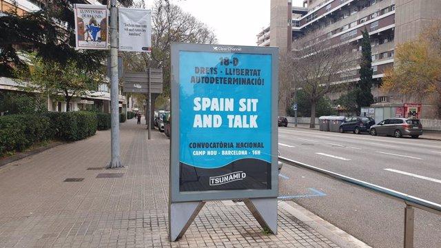 Cartell publicitari de Tsunami Democrtic a Barcelona.