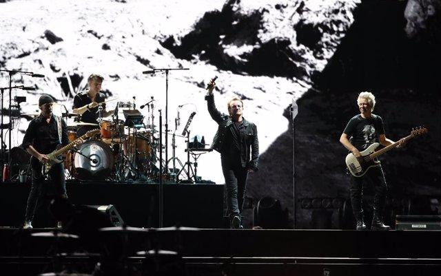 08 December 2019, South Korea, Seoul: Irish Rock band U2