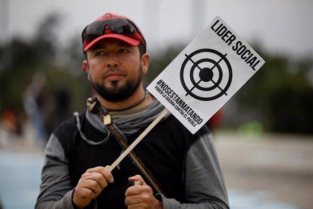 Protesta contra el asesinato de activistas sociales en Colombia