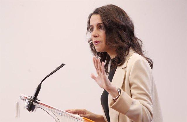 La líder de Ciutadans Inés Arrimadas, en roda de premsa després de la seva reunió amb el president del Govern central en funcions, Pedro Sánchez, a Madrid (Espanya), a 16 de desembre del 2019.