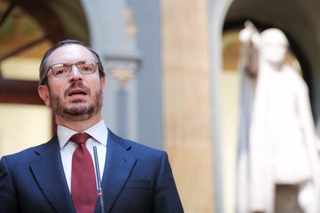 El portaveu del PP al Senat, Javier Maroto, ofereix una roda de premsa després de la sessió constitutiva de la XIV Legislatura al Senat, a Madrid (Espanya), a 3 de desembre de 2019.