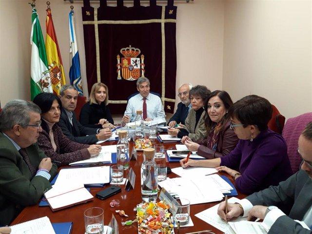 El delegado del Gobierno de España en Andalucía, Lucrecio Fernández, preside la reunión de la Comisión de Asistencia al Delegado del Gobierno.