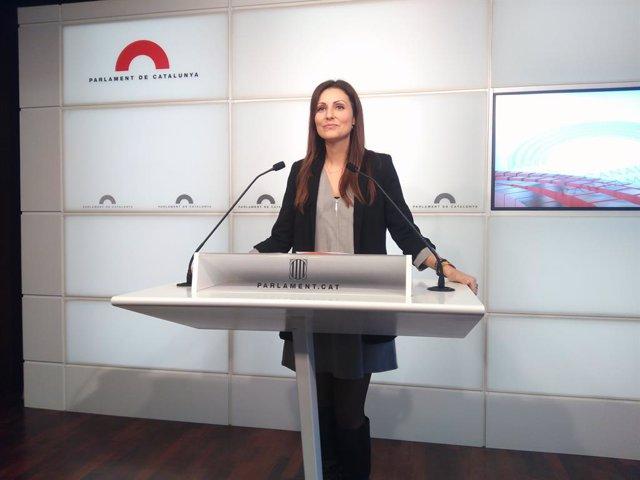 Lorena Roldán (Cs) en roda de premsa.