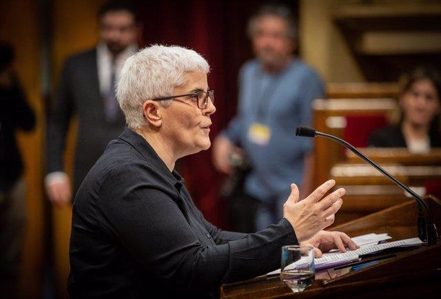 La vicepresidenta segona del Consell Nacional de les Dones de Catalunya (CNDC), Montse Pineda, en el ple monogràfic sobre dones del Parlament del 17 de desembre del 2019.