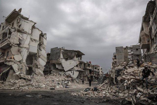 Edificios destruidos presuntamente por un avión ruso en Idlib (archivo)