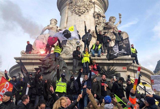 Protesta contra la reforma de las pensiones en París