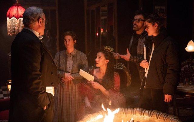 Nora Navas, Roger Casamajor, Bruna Cusí i Sergi López roden 'La Vampira de Barcelona'