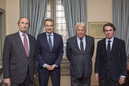 Felipe González Aznar Y Zapatero Juntos En La Reunión Del Patronato De Elcano