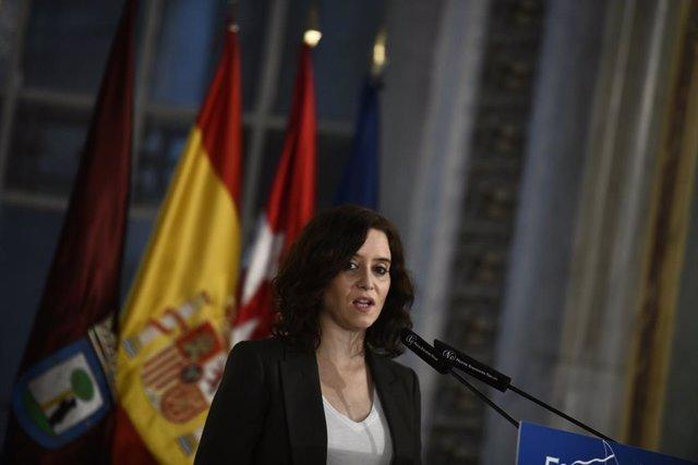 La presidenta de la Comunitat de Madrid, Isabel Díaz Ayuso, durant la seva intervenció en un esmorzar de Nova Economia Fòrum, a Madrid (Espanya), 18 de desembre del 2019.