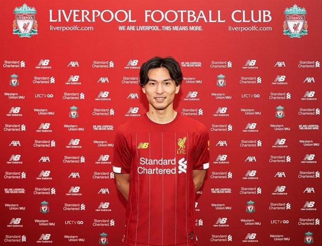 Fútbol.- El Liverpool ficha al delantero japonés Takumi Minamino