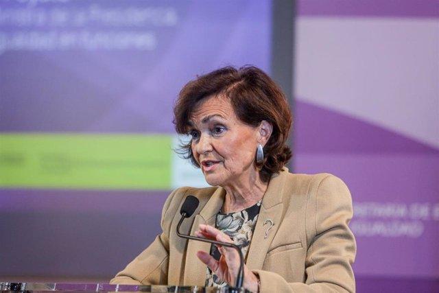 La vicepresidenta del gobierno en funciones, Carmen Calvo, durante el acto en el que se inaugura la jornada conmemorativa del XV aniversario de la Ley Integral contra la Violencia de Género en Madrid, a 19 de diciembre de 2019