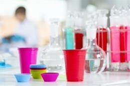 AIJU, AINIA y AIMPLAS analizarán utensilios plásticos de uso en cocina para dete