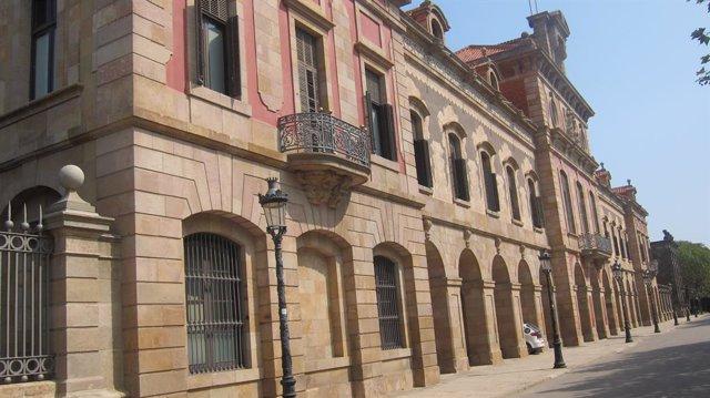 Façana del Parlament de Catalunya.