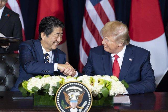 El primer ministro de Japón, Shinzo Abe, y el presidente de Estados Unidos, Donald Trump.