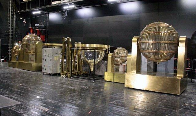 Els bombos del sorteig extraordinari de Nadal, al Teatre Real