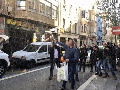 """El líder del centro aragonés de Reus: """"No he repartido más que papeles de color azul"""""""