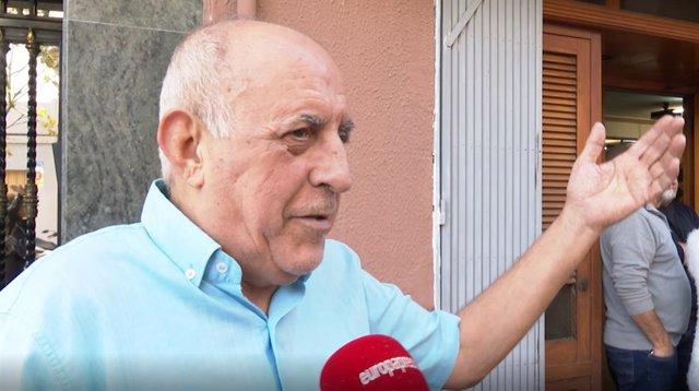 Lotería.- El dueño del 'Bar Pepe' de Sant Vicent del Raspeig, tras repartir el '