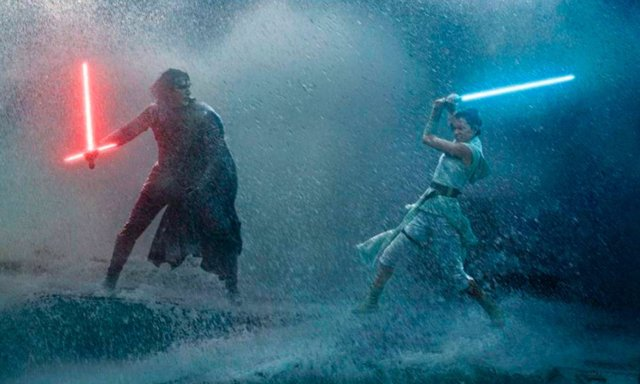 Kylo Ren se enfrenta a Rey en Star Wars: El Ascenso de Skywalker