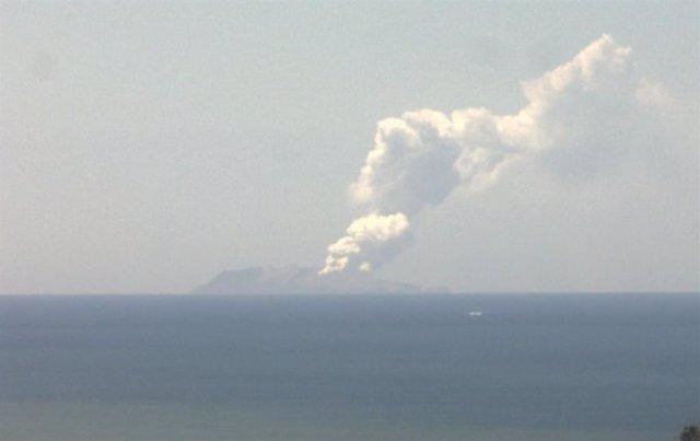 El volcà d'illa Blanca des de Whakatane