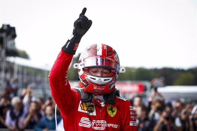 Charles Leclerc celebra su triunfo en Spa-Francorchamps