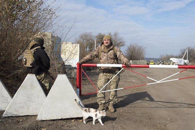 Control de seguridad de las fuerzas de seguridad de Ucrania