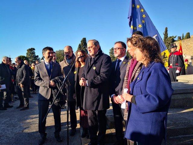 El president de la Generalitat, Quim Torra, en l'ofrena anual a la tomba de l'expresident de la Generalitat Francesc Macià, a Barcelona el 25 de desembre de 2019