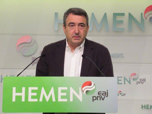 """Rey.- PNV critica que no diga """"absolutamente nada"""" a vascos, catalanes o gallego"""