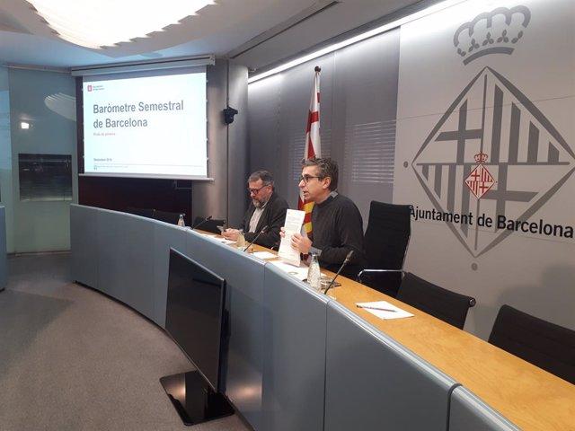 El regidor Jordi Martí i el director de l'Oficina Municipal de Dades Mrius Boada