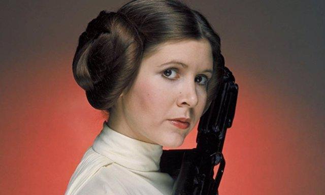 Carrie Fisher como la Princesa Leia, su personaje más icónico